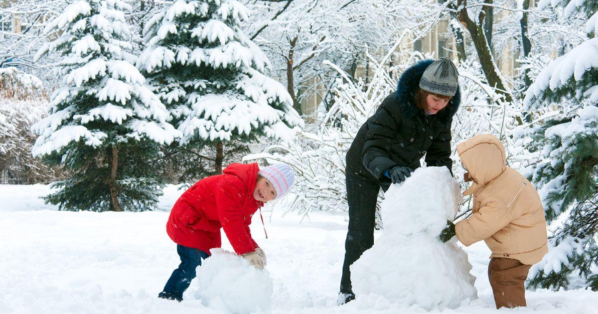 10 fa ons de profiter de la neige chez soi vacances automne et hiver activit s - La ren des neige ...