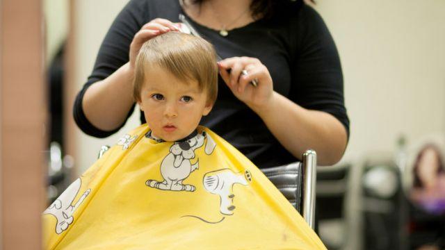 Couper cheveux fille 5 ans