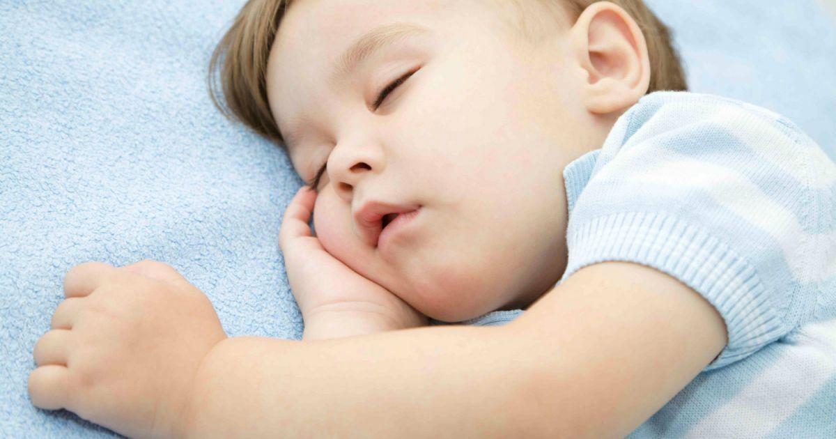 les mythes relatifs au sommeil de l 39 enfant sant enfant sommeil. Black Bedroom Furniture Sets. Home Design Ideas