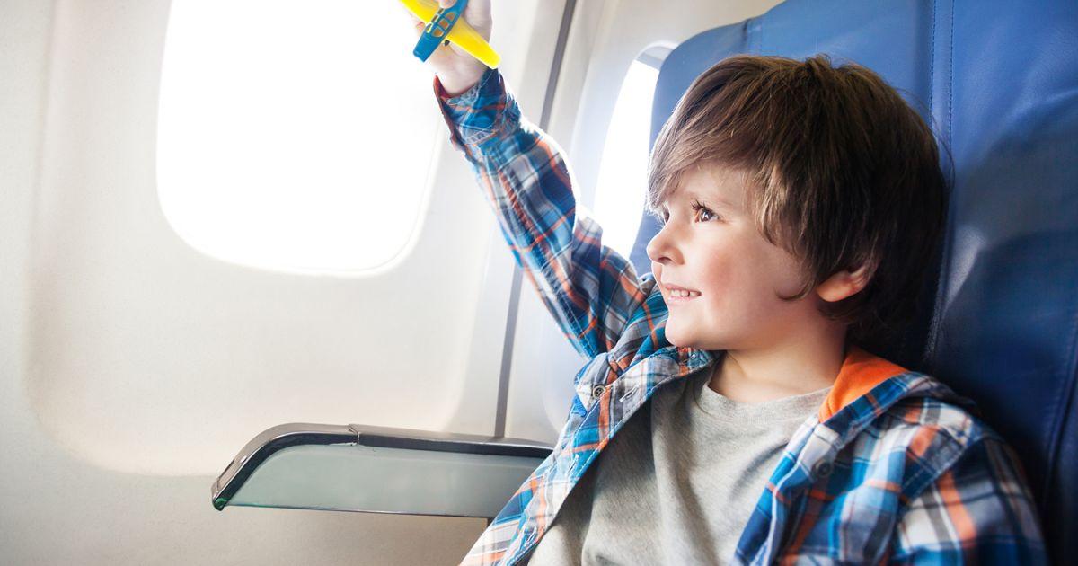 jouets pour passer le temps en avion consommation jouets jeux et cadeaux. Black Bedroom Furniture Sets. Home Design Ideas