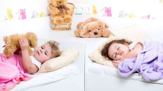 Dormir deux enfants dans la même chambre - Enfant - 3 à 5 ans ...
