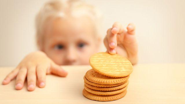 pour diff rentes raisons certains enfants prennent l habitude de manger en cachette dans leur. Black Bedroom Furniture Sets. Home Design Ideas