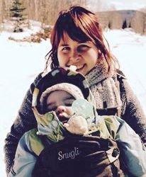 J ai reçu avant la naissance de mon premier enfant deux porte-bébés   une  écharpe et un porte-bébé rigide ventral de marque connue, qui se vend un  peu ... e6df320ddde