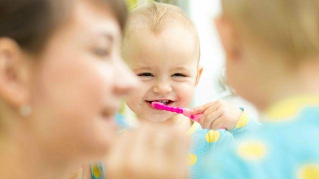 ผลการค้นหารูปภาพสำหรับ ทำอย่างไรให้ลูกชอบแปรงฟัน