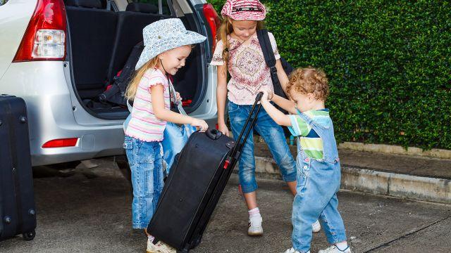 un voyage en voiture avec des enfants n est pas toujours de tout repos on explore les r gles de. Black Bedroom Furniture Sets. Home Design Ideas