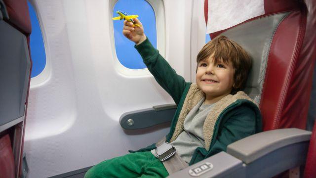 """Résultat de recherche d'images pour """"enfant et adulte avion"""""""