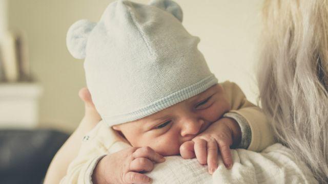 La plupart des bébés ont un rythme de croissance qui se ressemble. Leur  développement physique est rapporté et noté par le pédiatre au moyen d une  courbe de ... 45802bdba2f